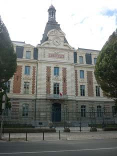 Collège et lycée Emile Zola de Rennes : l'entrée, avenue Janvier
